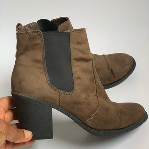 H&M brown pull up boots shoes size 9